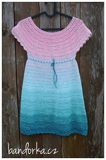 háčkované dětské šaty od bandorky velikost 146